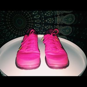Nike Shoes - Nike Limited Edition Lance Armstrong Livestrong